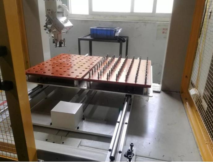 [自动化夹具案例分享]电子烟五金配件加工车床  自动化生产线 自动化夹具 自动上下料 第11张